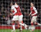 Welbeck lập cú đúp, Arsenal hạ gục AC Milan để vào tứ kết
