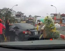 Khó xử phạt nữ tài xế lùi quay xe trên cầu, gây gổ với người đi xe máy?