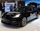 Sự hiện diện kỳ lạ của Tesla Model 3 tại Triển lãm ô tô Geneva 2018