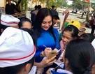 Hoa hậu vì cộng đồng Trần Huyền Nhung liên tục tham gia hoạt động vì cộng đồng.