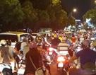 Nhiều tuyến đường trung tâm Sài Gòn kẹt cứng đêm rằm tháng Giêng
