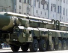 """Ông Putin hé lộ thời gian biên chế siêu tên lửa """"bất khả chiến bại"""" của Nga"""