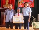 Khen thưởng học sinh lớp 5 dũng cảm cứu 2 người khỏi đuổi nước