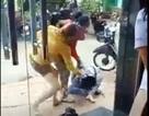 Điều tra vụ cô gái trẻ bị 2 phụ nữ đánh dã man trên đường