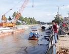 """Vụ cầu """"chặn đứng tàu thuyền"""": Đào kênh mới cho dân đi?"""