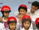 Trao mũ bảo hiểm cho 400 học sinh tại Hải Dương