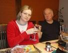 Bí ẩn 4 giờ tắt điện thoại của cha con cựu điệp viên Nga