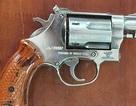 Ông chủ hãng nước đá dọa bắn công nhân khai được cấp 4 khẩu súng