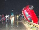 Xe con dựng đứng sau tai nạn, tài xế tử vong