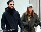 Chồng cũ Jennifer Aniston có bạn gái mới?