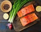 Ăn cá có thể giúp bảo vệ con người khỏi bệnh đa xơ cứng