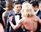"""MC bị """"ngó lơ"""" trên thảm đỏ Oscar trước cáo buộc quấy rối tình dục?"""