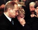 Khi Tổng thống Putin rơi lệ