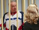 Bí ẩn người phụ nữ đi cạnh cựu điệp viên Nga nghi bị đầu độc