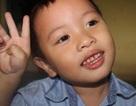 Kinh ngạc cậu bé 3 tuổi đọc báo, hát karaoke như người lớn