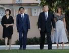 """Tổng thống Trump đón thân mật Thủ tướng Nhật Bản tại """"Cung điện Mùa Đông"""""""