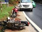 Xe máy tông trực diện ô tô trên đèo Prenn, 2 người thương vong