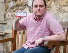 Nam thanh niên trở thành đồng tính sau khi uống thuốc giảm đau