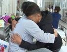 Tranh cãi quanh việc học sinh đâm thầy giáo trọng thương được tha thứ