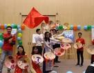Du học sinh Việt giới thiệu áo dài ở ngày hội văn hóa quốc tế tại Ba Lan