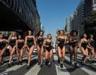"""Cuộc thi """"Hoa hậu vòng 3""""của Brazil khốn đốn vì toàn… """"Kim siêu vòng 3"""""""