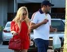 Avril Lavigne công khai nắm tay bạn trai siêu giàu