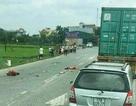 Va chạm với xe tải, 2 mẹ con tử vong thương tâm