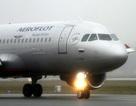 Vị khách khả nghi trên chuyến bay cùng con gái cựu điệp viên Nga