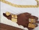 Choáng: Tỉ phú trẻ yên nghỉ trong quan tài vàng với sâm-panh và trang sức trị giá 100.000 bảng (Anh)