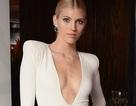Siêu mẫu Victoria's Secret diện váy xẻ sâu táo bạo