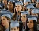 Nữ sinh viên Mỹ nặng gánh nợ nần