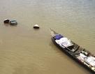 Những phận người ngụp lặn mưu sinh trên nhánh sông Cần Thơ