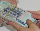 Đình chỉ nữ nhân viên chi cục thuế bị tố nhận tiền bồi dưỡng