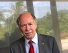 Giáo sư Nobel Vật lý: Không giỏi ngoại ngữ không thể thành công