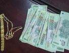 Thiếu niên ăn trộm liên tiếp lấy tiền đi… mua dâm