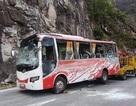 Ủy ban ATGT Quốc gia yêu cầu điều tra vụ lật xe khách chở 30 người