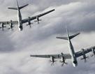 """Khi """"Chim ăn thịt"""" F-22 đối đầu """"Gấu"""" Tu-95"""
