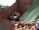 Lốc xoáy liên tục xuất hiện, nhiều địa phương bị ảnh hưởng nặng nề