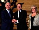 """Tổng thống Pháp gây """"bão"""" mạng vì khen vợ Thủ tướng Australia """"ngon"""""""