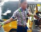 Học sinh Nigeria bị trói và quất bằng roi vì đi học muộn