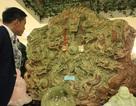 """Đại gia Việt """"chơi trội"""" chi tiền tỷ mua bức tranh ngọc lớn nhất Châu Á"""