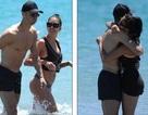 Ronaldo khỏe khoắn bên bạn gái gợi cảm