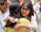 Nghẹn ngào phút chia tay tuổi học trò ở trường Việt Đức