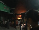 Chợ cháy dữ dội trong đêm, nhiều ki ốt bị thiêu rụi