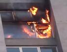 Hà Nội: Lửa bùng phát từ căn hộ tầng 18 chung cư Fodacon Bắc Hà