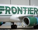 Máy bay hạ cánh khẩn cấp vì mùi lạ trong toilet khiến hành khách đổ bệnh