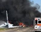 """Mỹ: Máy bay quân sự """"Ngựa thồ"""" rơi trên đường cao tốc, ít nhất 5 người chết"""