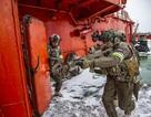 Sức mạnh của đặc nhiệm Nga trong cuộc tập trận trên băng tuyết