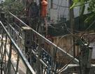 Hà Nội: Đứt dây cáp sàn treo xây dựng, 2 người trọng thương