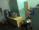 Đình chỉ 2 cơ sở sản xuất sữa bắp gần nhà vệ sinh